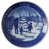 Choosing the Christmas Tree 1979, Royal Copenhagen Christmas plate