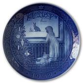 Waiting for Christmas 1982, Royal Copenhagen Christmas plate