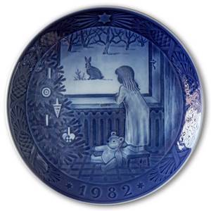 Waiting for Christmas 1982, Royal Copenhagen Christmas plate | Year 1982 | No. RX1982 | Alt. 1901082 | DPH Trading