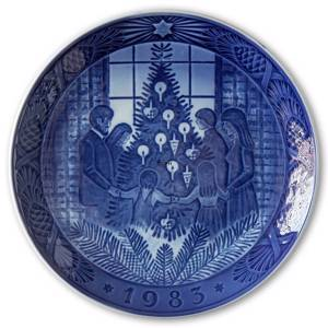 Merry Christmas 1983, Royal Copenhagen Christmas plate | Year 1983 | No. RX1983 | Alt. 1901083 | DPH Trading
