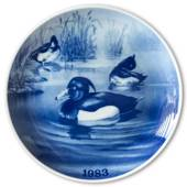 1983 Tove Svendsen, Hunting plate, tufted duck