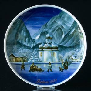 1987 Tettau traditional Christmas plate
