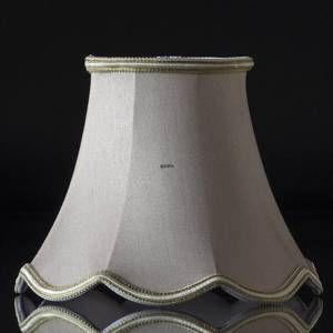 Octagonal lampshade with curves height 15 cm covered with off white silk fabric | No. U151018D3584R | Alt. U151018F3584R | DPH Trading