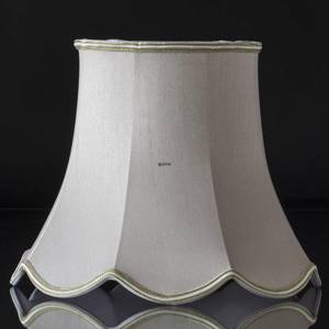 Octagonal lampshade with curves height 22 cm covered with off white silk fabric | No. U221627A3584R | DPH Trading