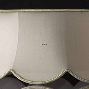 Octagonal lampshade with curves height 25 cm, covered with off white silk fabric | No. U254050K3584R | DPH Trading