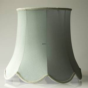 Octagonal lampshade with curves height 42 cm, light green coloured silk fabric | No. U423348A0300R | DPH Trading