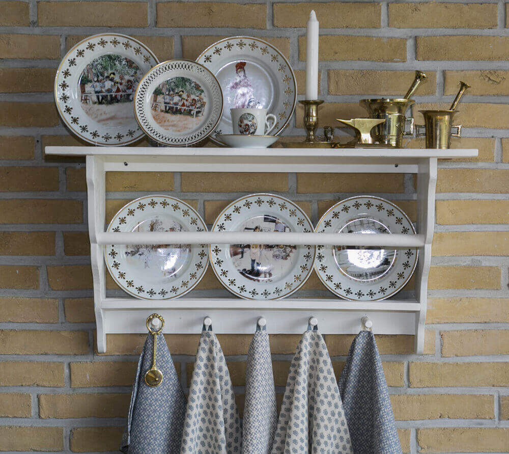 Wall decoration Plate rack with Carl Larsson plates