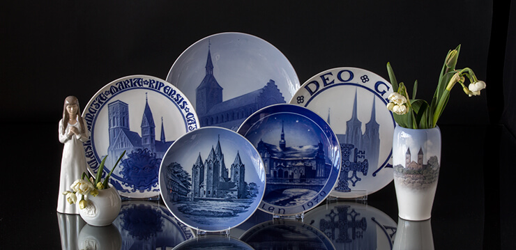B&G Bing & Grondahl church plates with Danish Cathedrals and churches