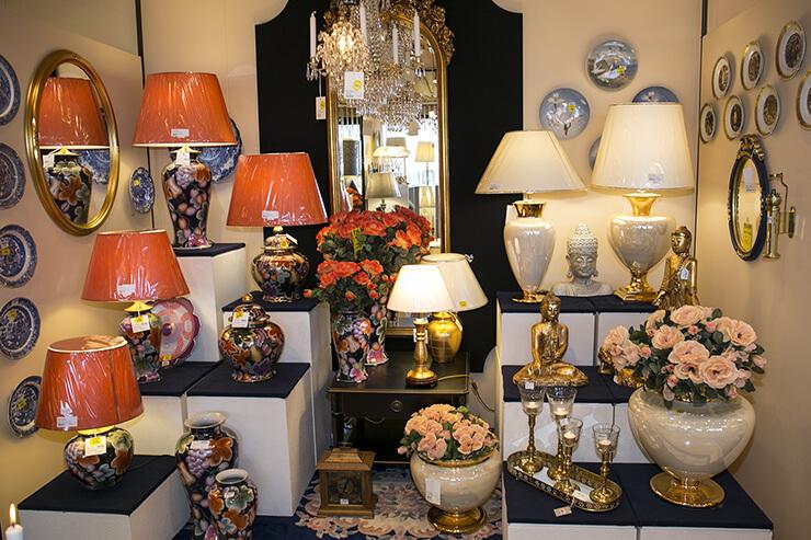 Bordlamper og runde lampeskærme i mange farver