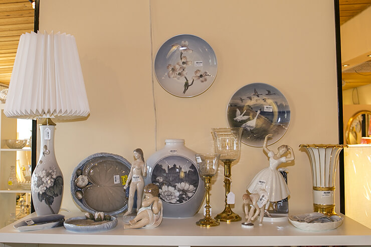 Royal copenhagen plates and figurines