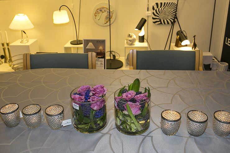 Tealight candleholders in glass