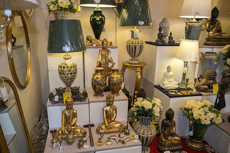 Orientalische Buddhafiguren