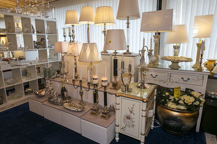 Tablelamps in metal and ceramics