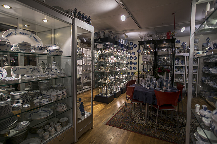 DPH Trading Shop in Odense - Collectibles