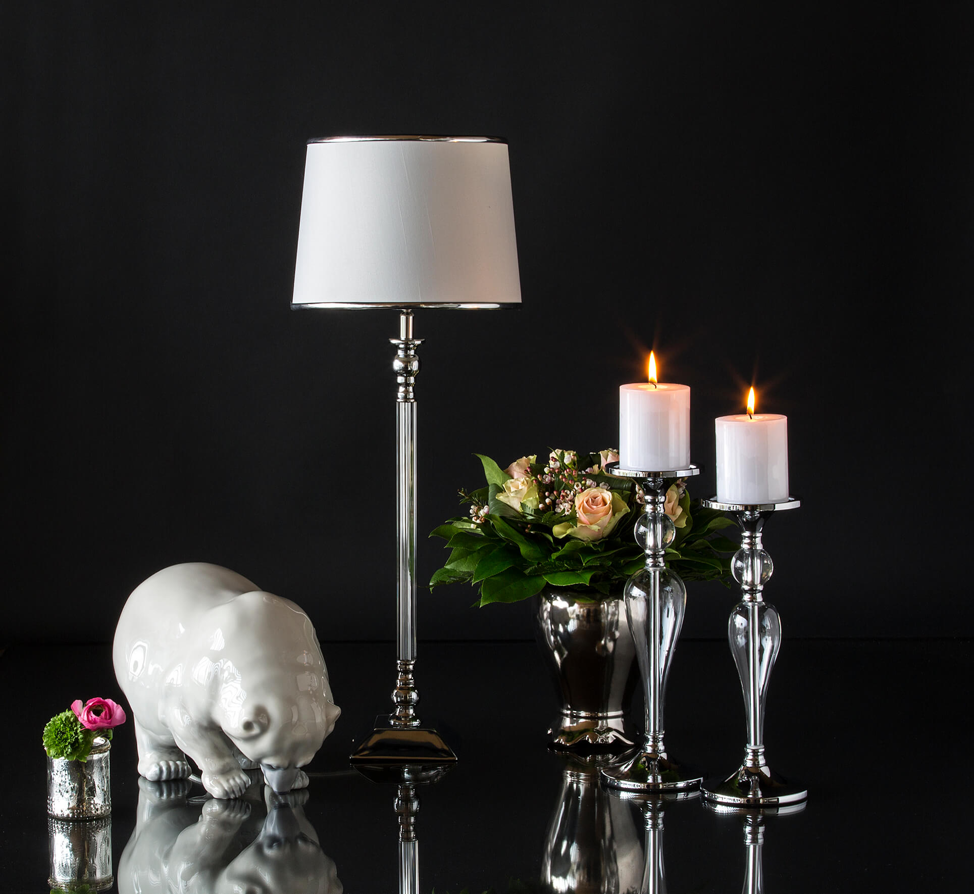 Large figurine of Polar bear together with lamp, candlesticks and flower pot