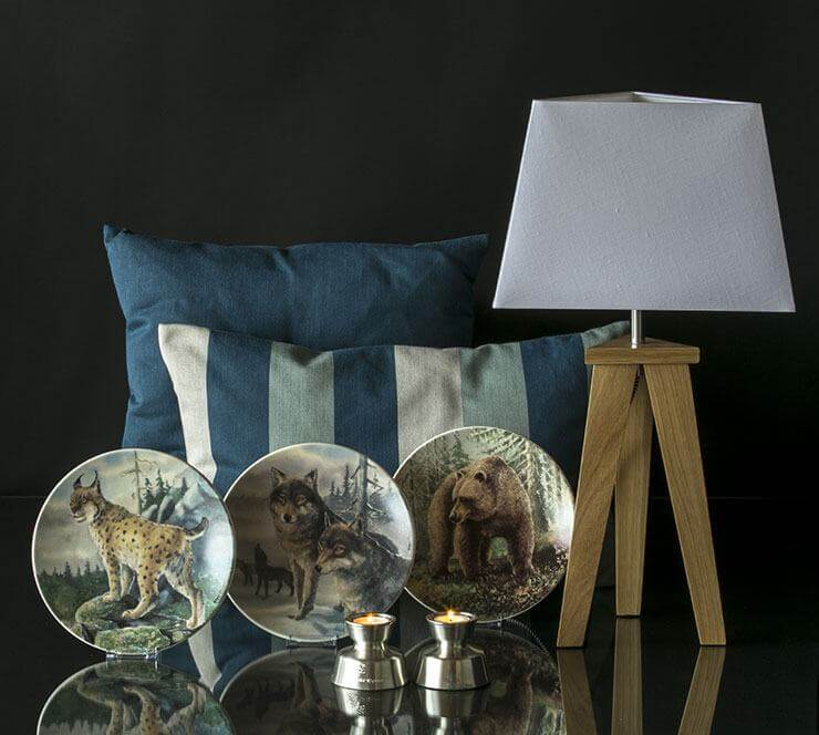 Decorate with Arabia plates