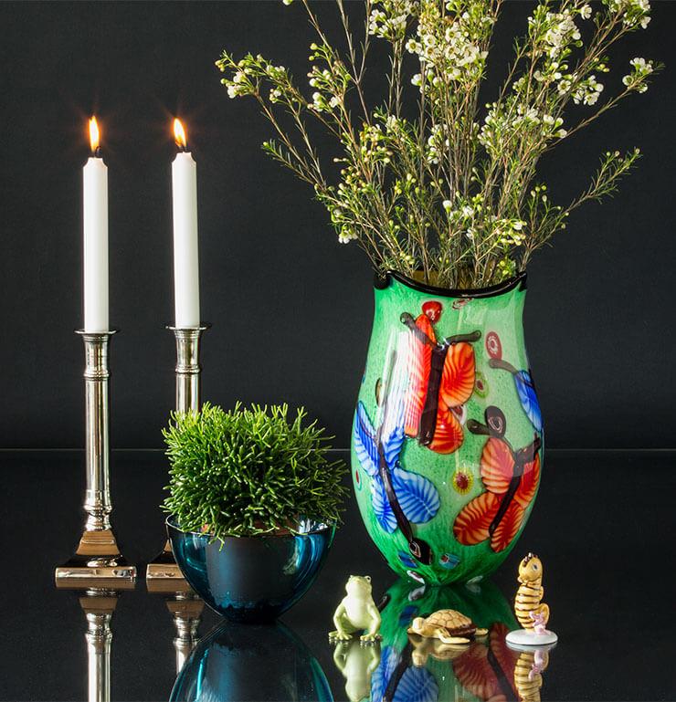 Royal Copenhagen Fortuna lykkefigurer med farverig glaskunst vase og lysestager
